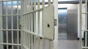 Reclusos transgéneros y su odisea en prisiones de CA