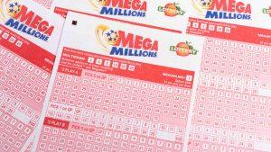 Mega Millions supera los $300 millones