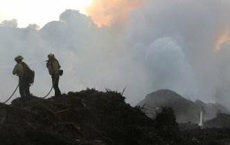Continúan esfuerzos para contener fuego Saddleridge