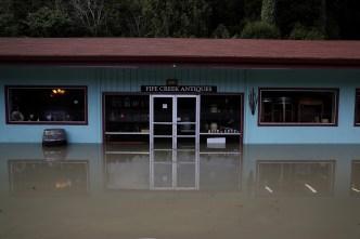 Lluvias y tormentas hacen estragos en California