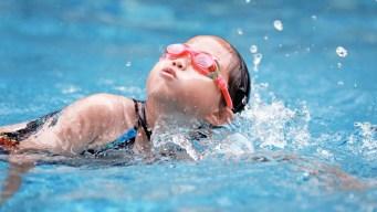 Comienza programa de natación de verano en Los Ángeles