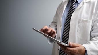 Estudio: latinos de CA rezagados en cobertura médica