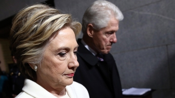 Piden investigar presuntos negocios de Clinton con Rusia