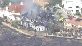 Bomberos progresan en control de incendio en Chino Hills <br />