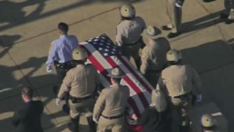 Despiden a oficial muerto en tiroteo en Riverside