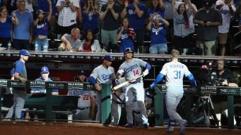 Pederson logra jonrón en la 11ma; Dodgers evitan barrida