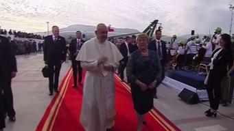 El Papa Francisco arriba a Chile entre protestas