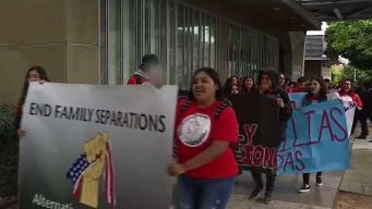 Estudiantes protestan contra ICE