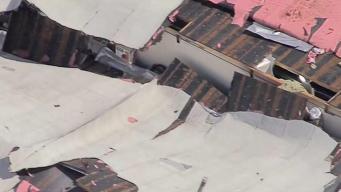 Explosión en Canoga Park deja dos heridos