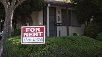 Votantes de California rechazan medida de control de renta