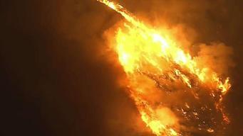 Incendio de maleza provoca evacuaciones