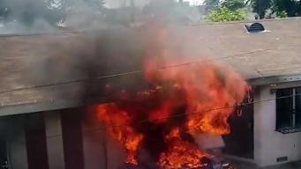 Incendio deja a familia sin hogar y sin su depósito