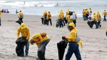 Más de mil reos limpian playas en El Salvador