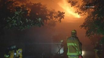 Incendio destruye lujosa casa en Brentwood