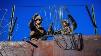 Envían soldados para frenar a la caravana cerca de Texas