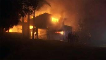 Incendio en área de San Bernardino obliga a desalojos