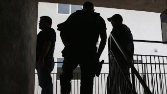 Anuncian ayuda a familias inmigrantes ante operativo de ICE