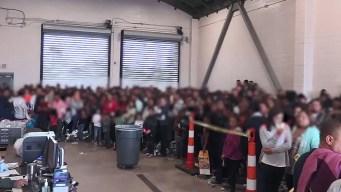 Negarían vivienda pública a indocumentados
