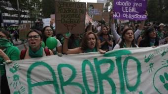 "La ""marea verde"" pro aborto desborda las calles"