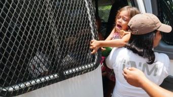 Corte falla contra detención de niños migrantes