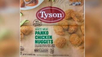 Retiran miles de libras de pollo Tyson con trozos de goma