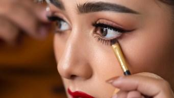 El peligro oculto del maquillaje que puede causar la ceguera