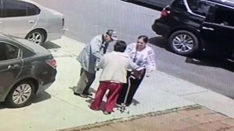 En video: roban joyas a pareja de ancianos hispanos