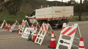 Continúa cierre del Bulevar Topanga Canyon por reparaciones