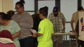 Ciudadanos de Boyle Heights ejercen su derecho al voto