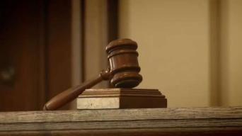Ex fugitivo acusado de asesinar a su esposa