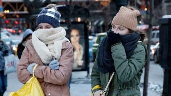 El 2018 empieza con frío récord que causa muertes