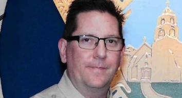Alguacil fallecido en tiroteo masivo será sepultado hoy