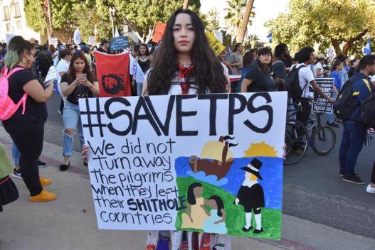Salvadoreños en LA siguen preocupados por el TPS