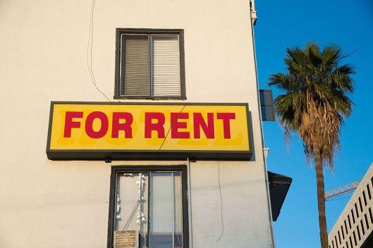 Inquilinos protestan drástico aumento de renta