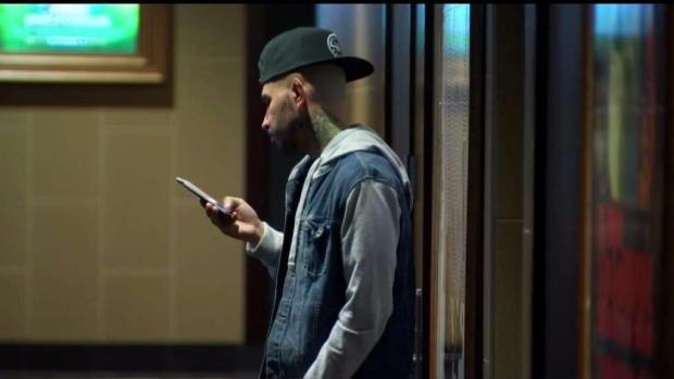 [TLMD - LA] Alertan al público sobre robo de celulares