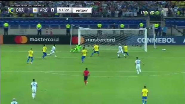 [TLMD - National - LV] Casi casi es gol...Messi la estrella del palo