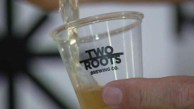 """Cerveza con un """"piquete"""" verde llega a California"""