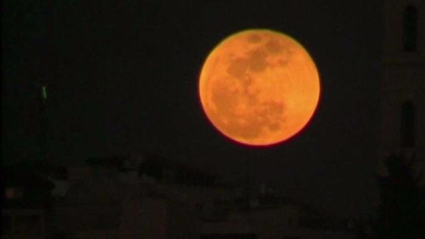 Científicos de la NASA explican espectacular eclipse lunar