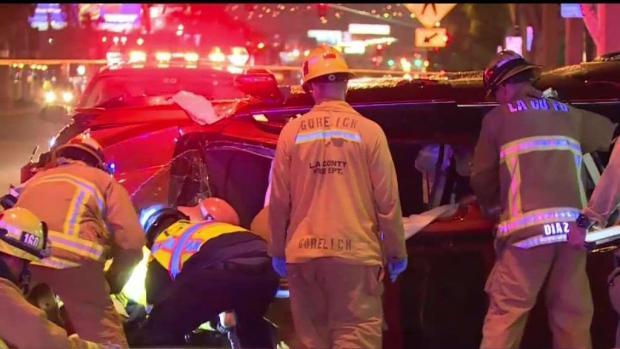 [TLMD - LA] Conductor pierde el control y causa accidente mortal