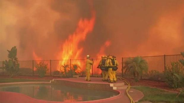 [TLMD - LA] Incendio Holy sigue su avance