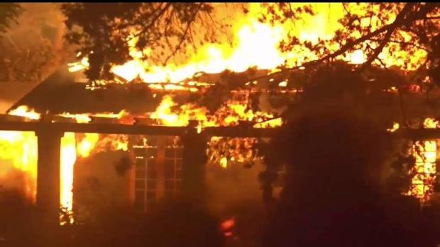 [TLMD - LA] Incendio Thomas sigue fuera de control