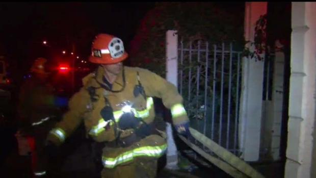 [TLMD - LA] Investigan incendio en el sur de Los Ángeles