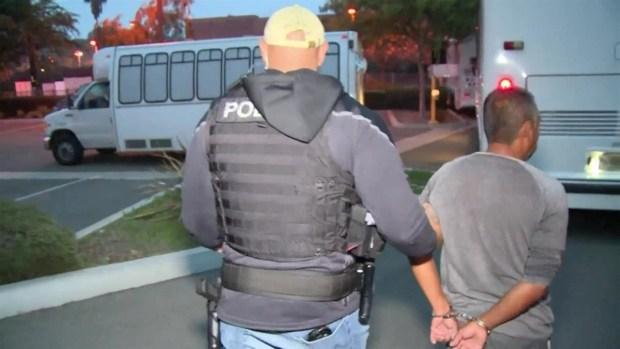 [LA] Más de 100 personas arrestadas por agentes de inmigración en San Diego