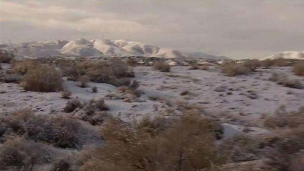 Nieve en el desierto y montañas del sur de California