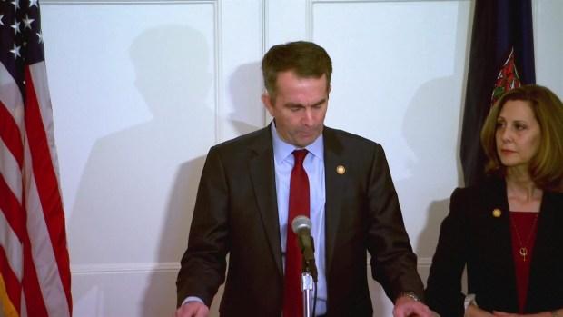 Gobernador de Virginia da una conferencia de prensa en medio de escándalo