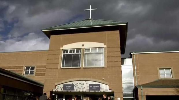 [TLMD - Denver] Recuerdan a las víctimas de masacre de Columbine con un servicio religioso