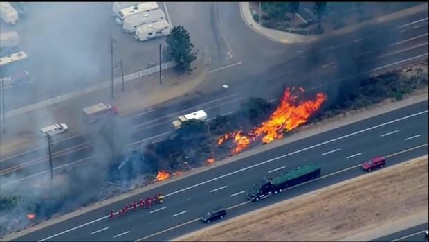[TLMD - LA] Incendio causa orden de evacuación a residentes de Alpine