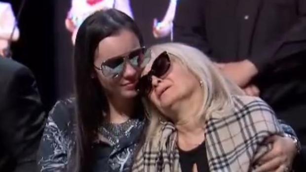 [TLMD - LV] Sarita rompe en llanto en homenaje a su padre José José