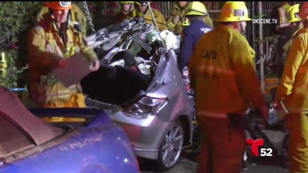 [LA - stringer] Vigilia por jóvenes fallecidos en accidente vehicular