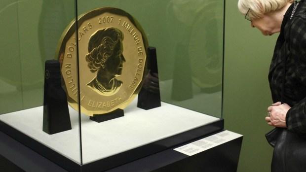 Tenía récord Guinness: roban gigante moneda de oro puro